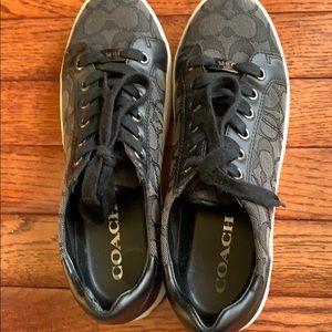 Coach sneakers in black in size 7 😊😊